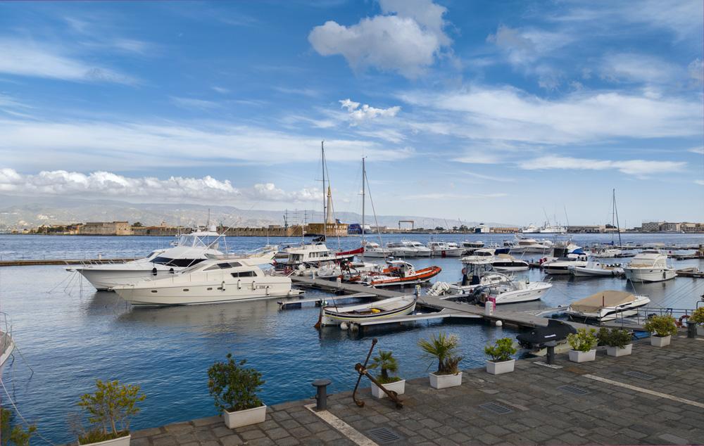 Barcos en un puerto